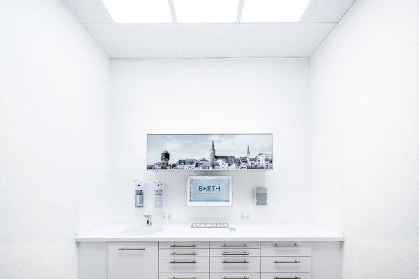 In Bautzen erhalten Patienten feste Zähne an einem Tag.